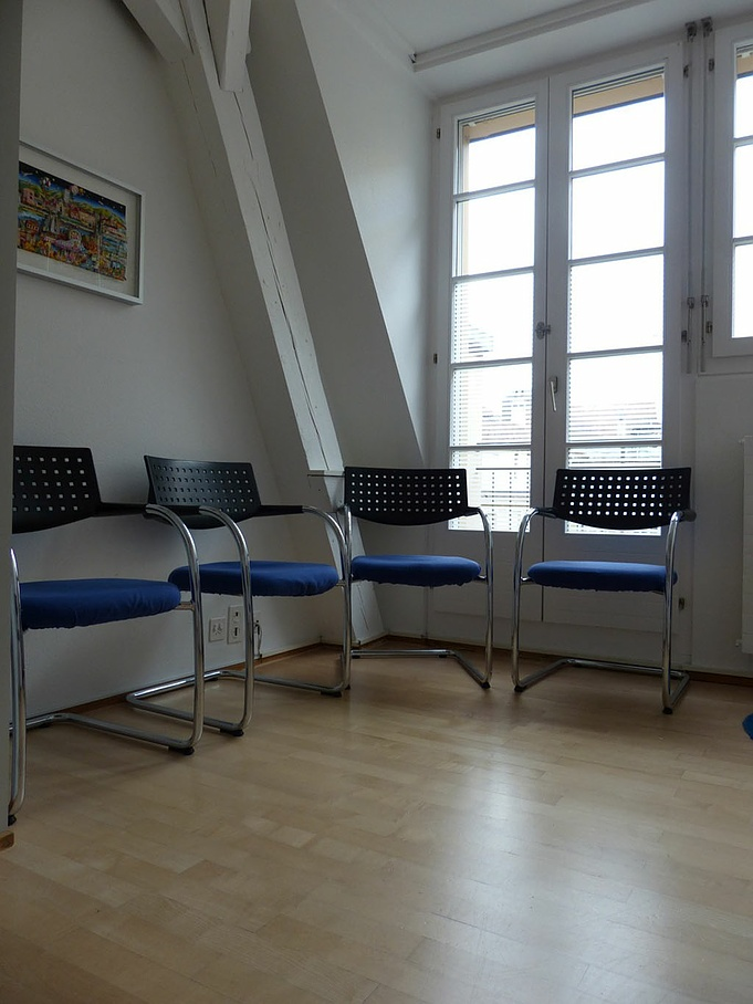 Waiting room - The practice of Dr. med. Erika Ocon - Basel